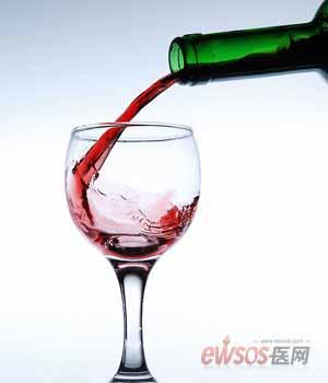 """喝点葡萄酒 让血管更""""年轻"""""""